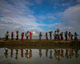 Myanmar orders Rohingya to leave tense border zone