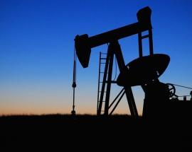 Oil near late-2014 highs as Saudi pushes for higher prices, US crude stocks decline
