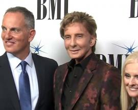 Barry Manilow says coming out as gay has been a beautiful experience