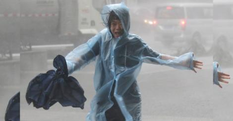 Super typhoon slams into China