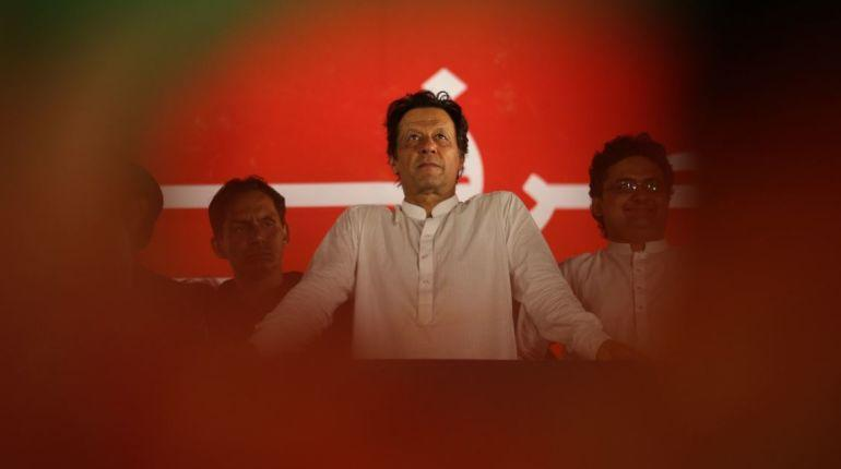Imran Khan extends support to Turkey in its row with US